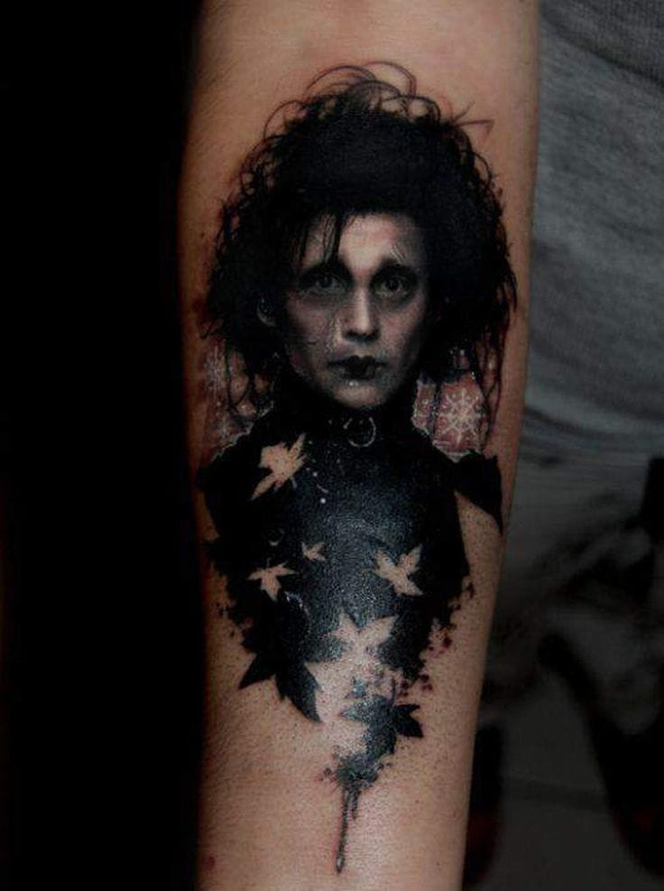 """""""You see, before he came down here, it never snowed. And afterwards, it did. If he weren't up there now... I don't think it would be snowing. Sometimes you can still catch me dancing in it. """" Love the blackwork effect on this Edward Scissorhands tattoo!"""