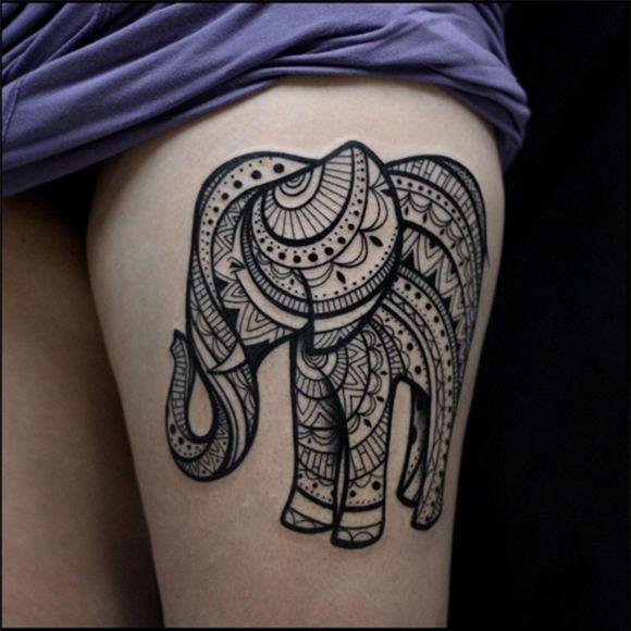 Geometric elephant blackwork by Yanina VIland #elephant #YaninaViland #blackwork #linework #fineline