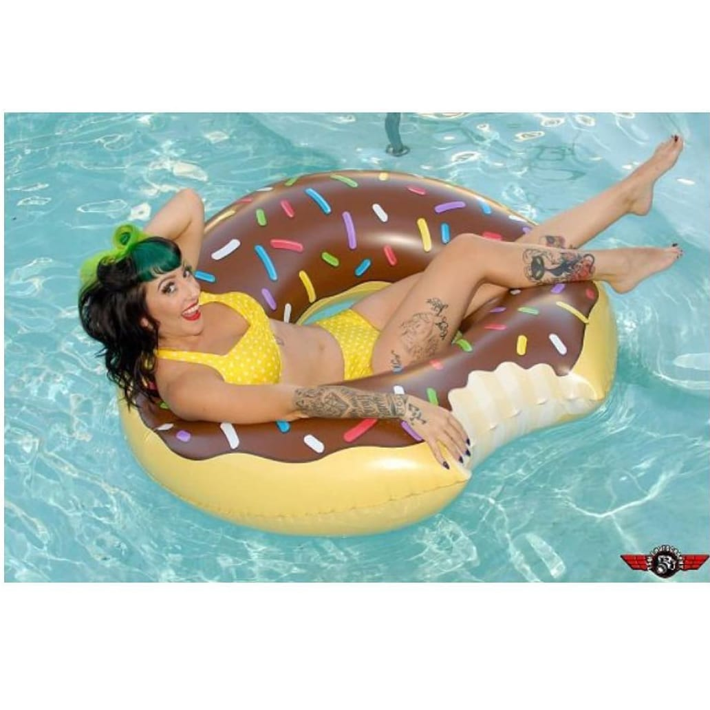 Instagram: missjacquiexoxo #pinup #donut #tattooedgirl #colorful #swim #poolparty #donutsandgirls
