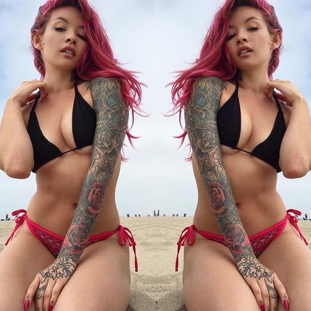 via @raciney #tattoodobabes #beach #tattoomodel #sleeve