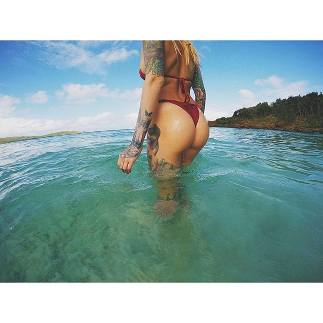 via @torrieblake #tattoodobabes #beach #tattoomodel #torrieblake
