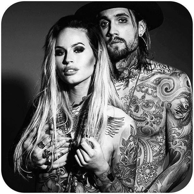 via @linnforsbergs @robinpauliestenberg #tattoodobabes #tattoomodel #girlswithttattoos #tattooedcouples