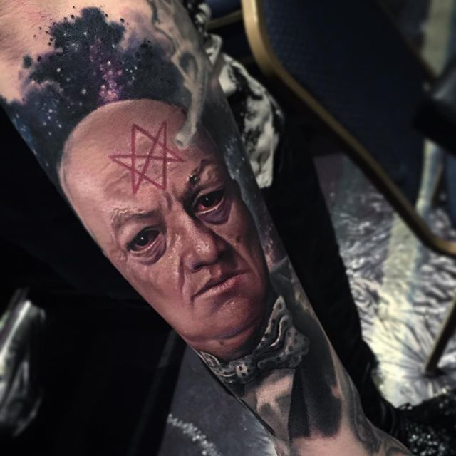 Aleister Crowley portrait via @paulackertattoo #horror #portrait #realistic #satanic #AleisterCrowley