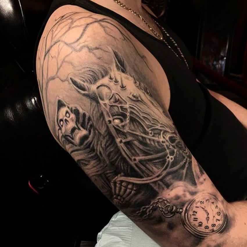 By Darwin Enriquez #darwinenriquez #blackandgrey #sleeve #realistic #horse #skeleton #skull via @darwinenriquez