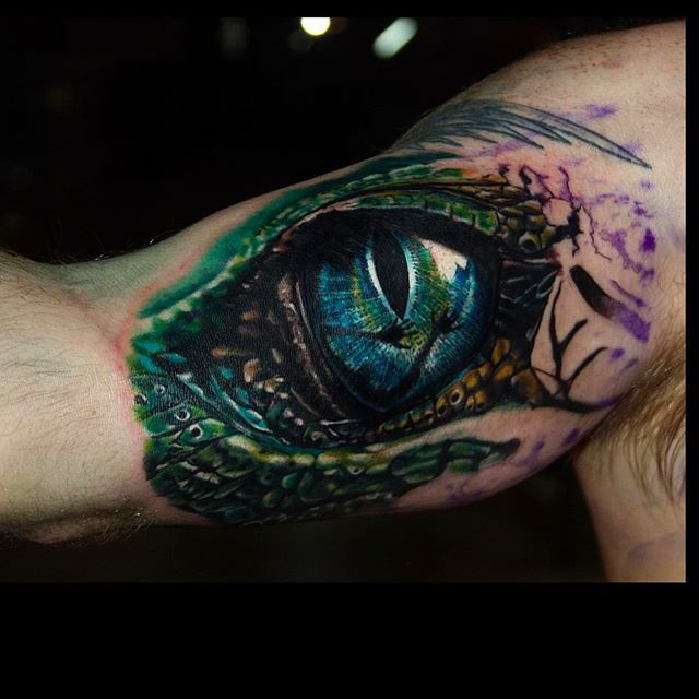 12 Sick Hyperrealistic Eye Tattoos by Carlox Angarita