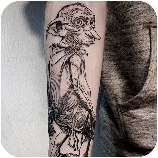 By OOZY via @oozy_tattoo #dobby #harrypotter #linework #illustration #OOZY