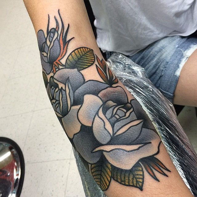 By Isaiah Toothtaker via @toothtaker #toothtaker #bold #traditional #bright #roses