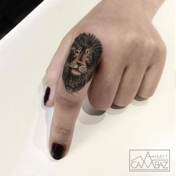 Cute detailed lion finger tattoo #AhmetCambaz #blackwork #lion #fingertattoo #detailed #wildlife #animal