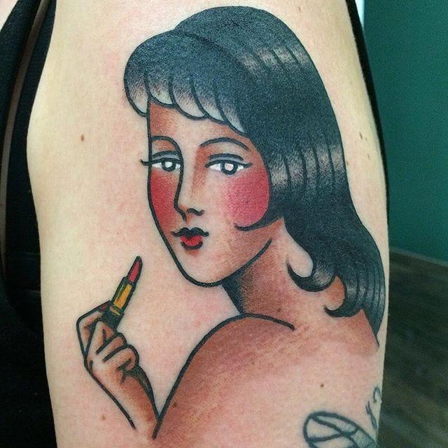 15 Glitzy Glam Lipstick Tattoos