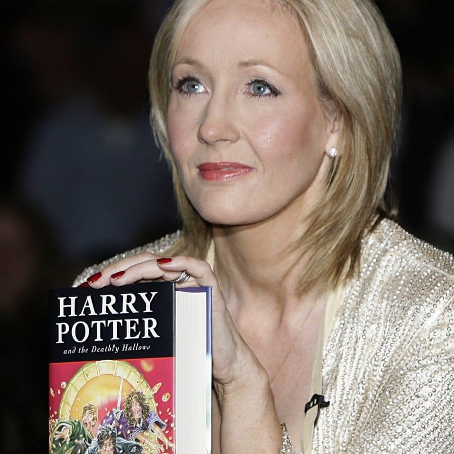 Harry Potter Fan Receives An Ultimate Present From J.K. Rowling