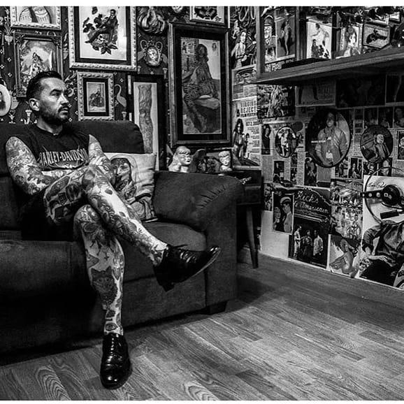 Ramon Maiden amongst his work. via @ramonmaiden #RamonMaiden #ARTSHARE #artist #fineart