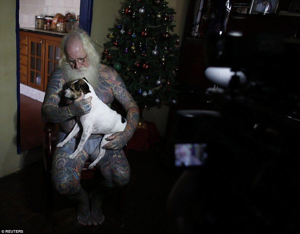 Vitor Martins, Santa Claus with a dog