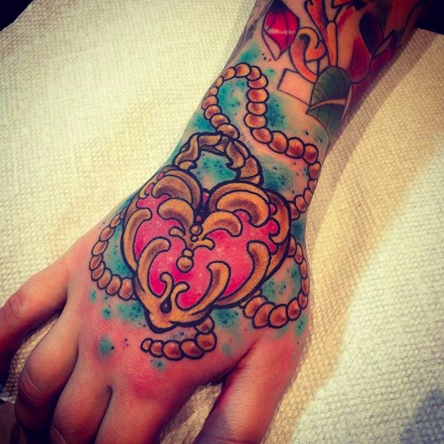 Cute freehand kawaii heart locket #kawaii #heartlocket #hand #RomeoLacoste #girly