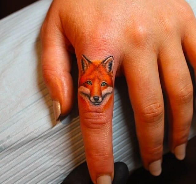 What does the fox say? Artist Elizabeth Markov