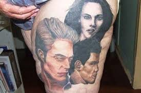 Well don't know about you guys - but I have seen better portraits than this piece, that is of Bella, Edward and Jacob.