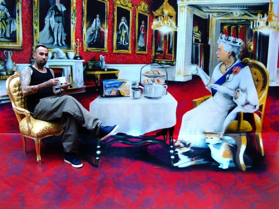 Taking the tea with the Queen for an anamorphic ad of Kingsmill.