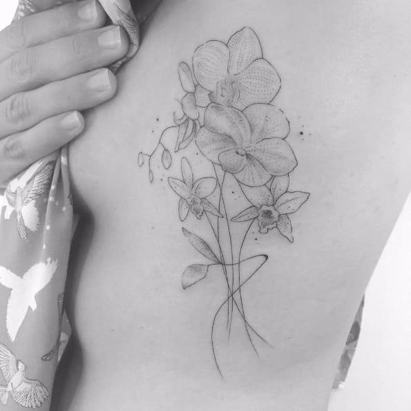 The Delicate Minimalistic Tattoos Of Brunella Simoes