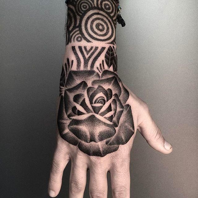 The Versatile Monochromatic Tattoo Art Of Eneko