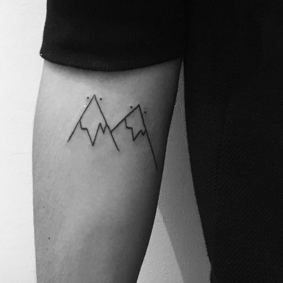 Cute linework mountains #linework #mountains #dots #simple #fineline #rottenkiwii
