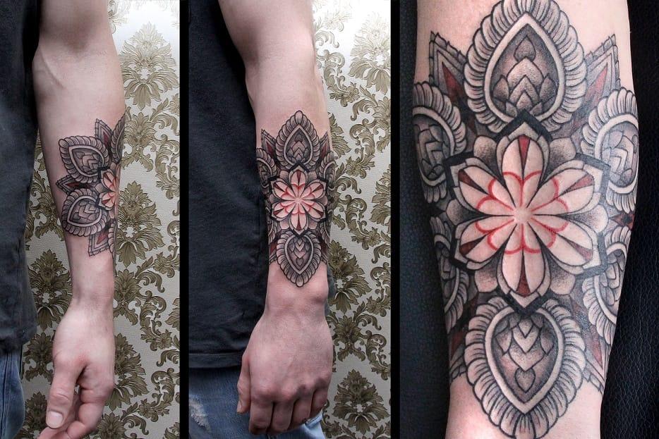 Dotslines tattoo