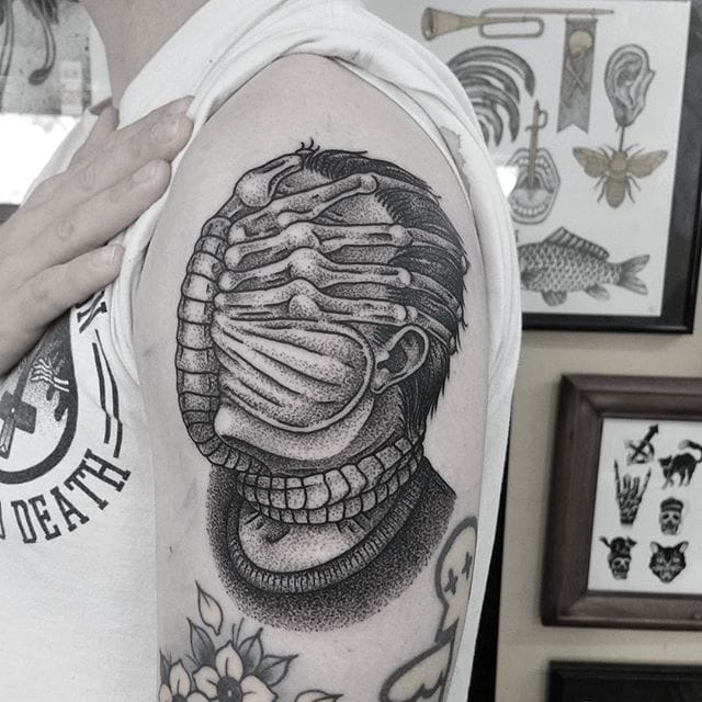 8 Crazy Facehugger Tattoos