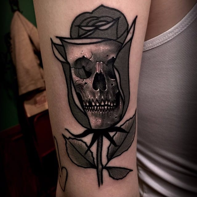 19 Sinisterly Surrealistic Skull Tattoos by Varo