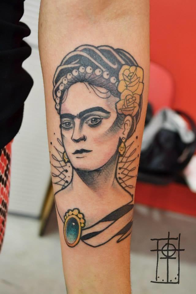 A classy tattoo by Neto Lobo.