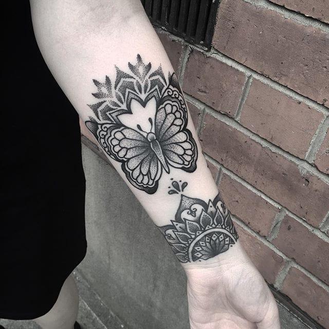 Seductive Blackwork Tattoos by Abigail Robyn Tonge