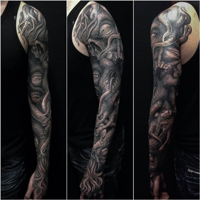 Clod The Ripper made this Lovecraft inspired biomechanical sleeve.