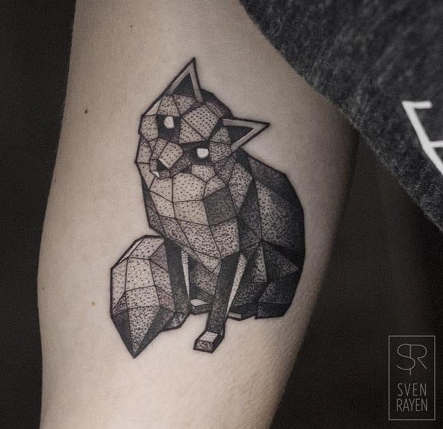 Geometric mysterious fox by Sven Rayen.