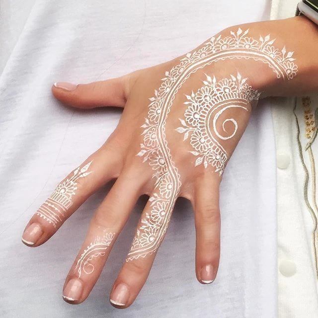 16 Drop Dead Gorgeous Henna Tattoos that are Truly Mehndi-vine