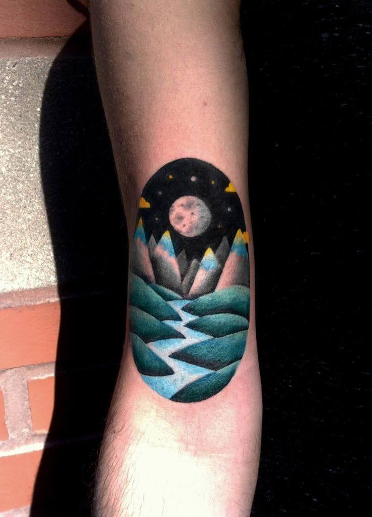 Closer to the moon, closer to magic... gorgeous tattoo by David Côté.
