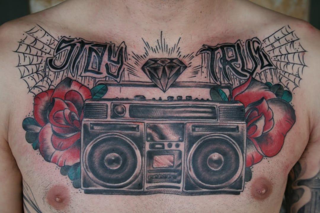 Boom box tattoo. Artist unknown #boomblaster #boombox #rose #music #musictattoo