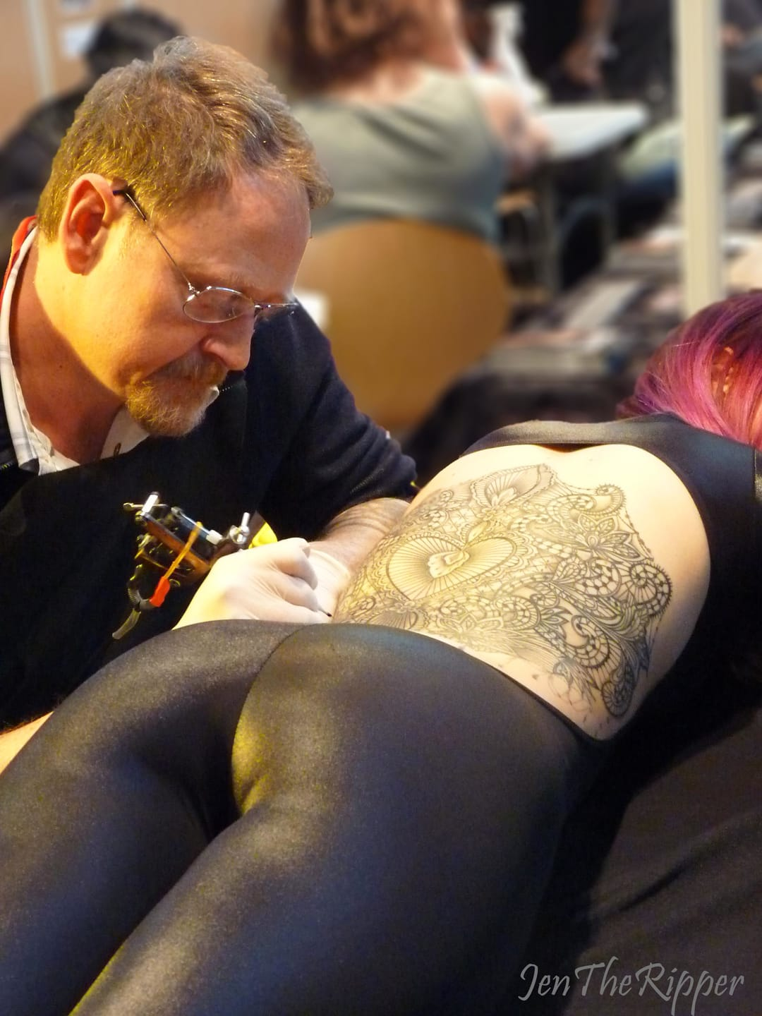 Marco Manzo working on a backpiece at Paris Tattoo Convention 2015. Photo JenTheRipper.