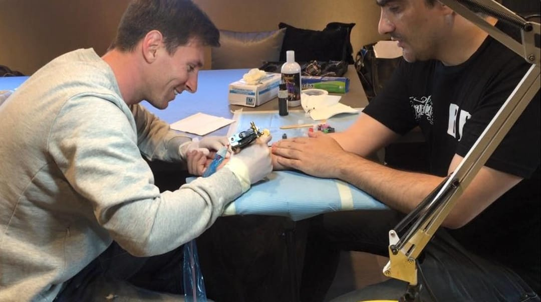 Lionel Messi, Tattoo Artist for a Day