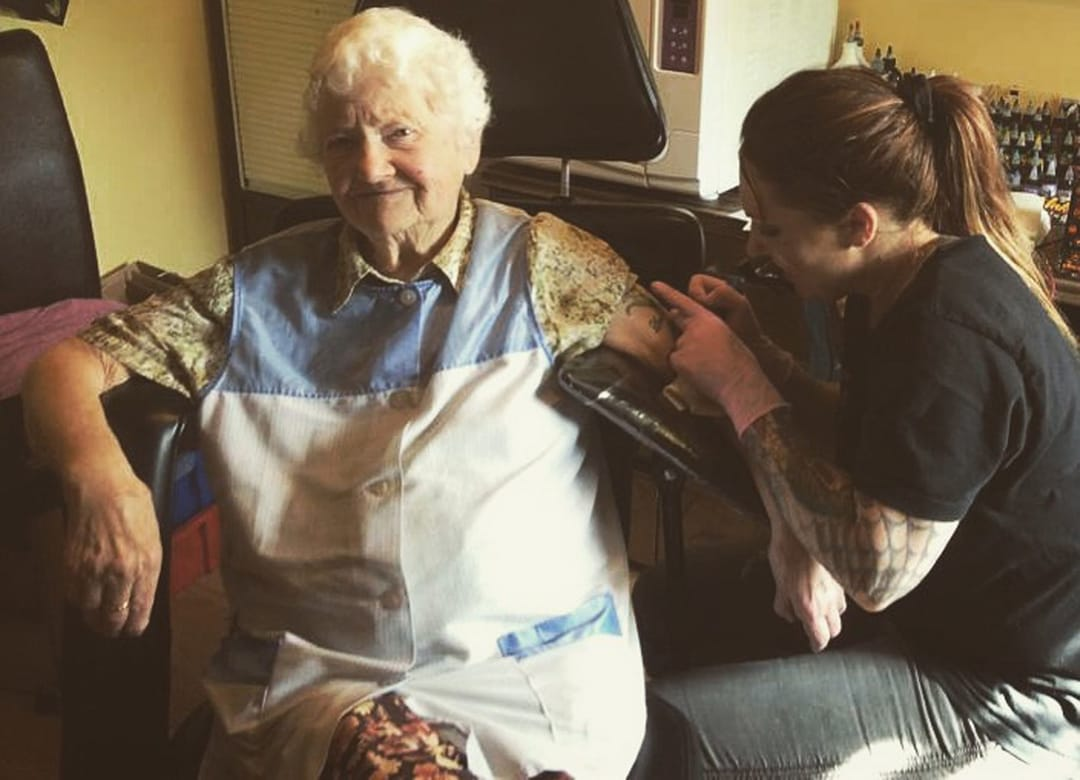 The Oldest Women In The UK Gets Tattooed For Her Granddaughter