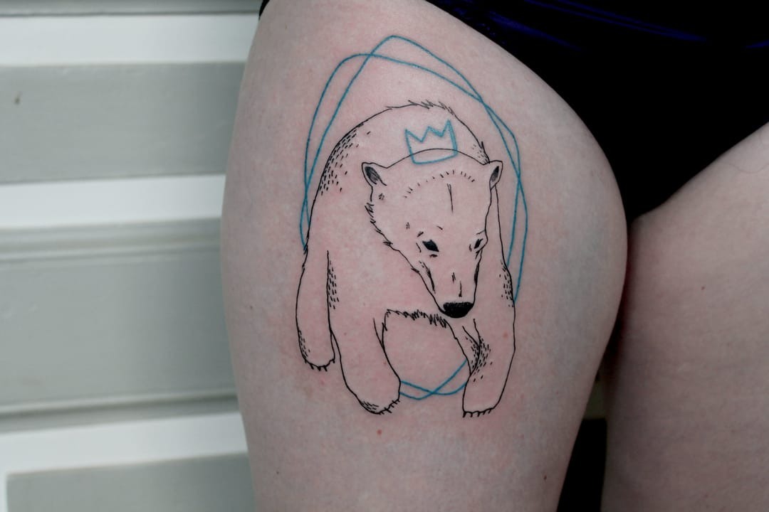 Minimalistic and awesome tattoo by Capitaine Plum'!