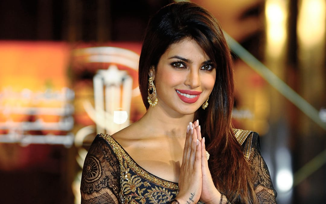 Fan Gets Priyanka Chopra's Autograph Tattooed On Her Arm!!