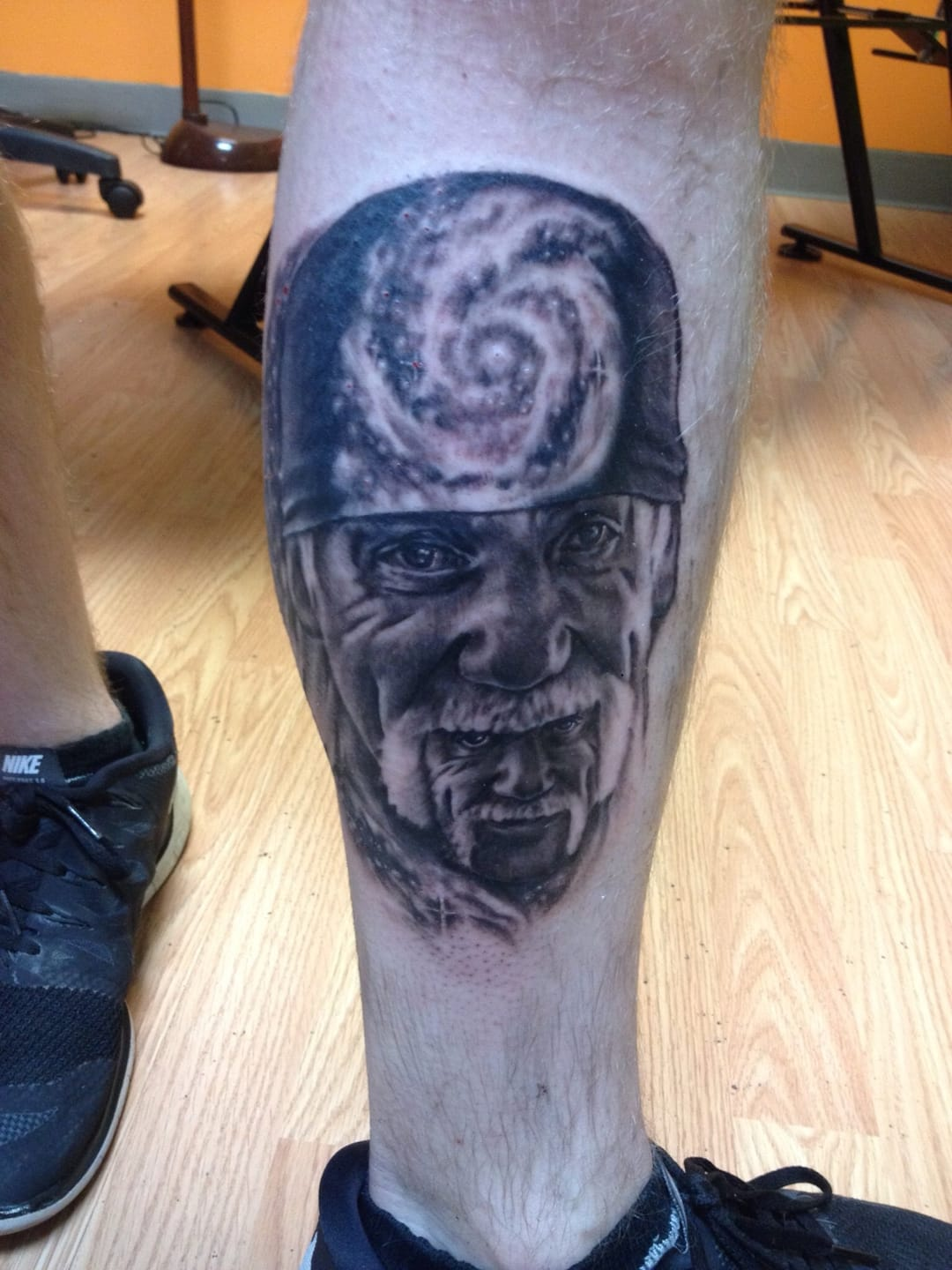 Another funny Hulk infinity portrait, again, amazing tattoo!
