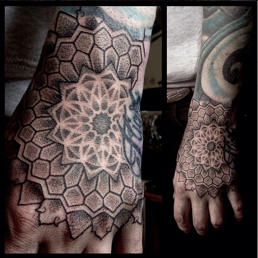 18 Amazing Geometric Dotwork Hand Tattoos!