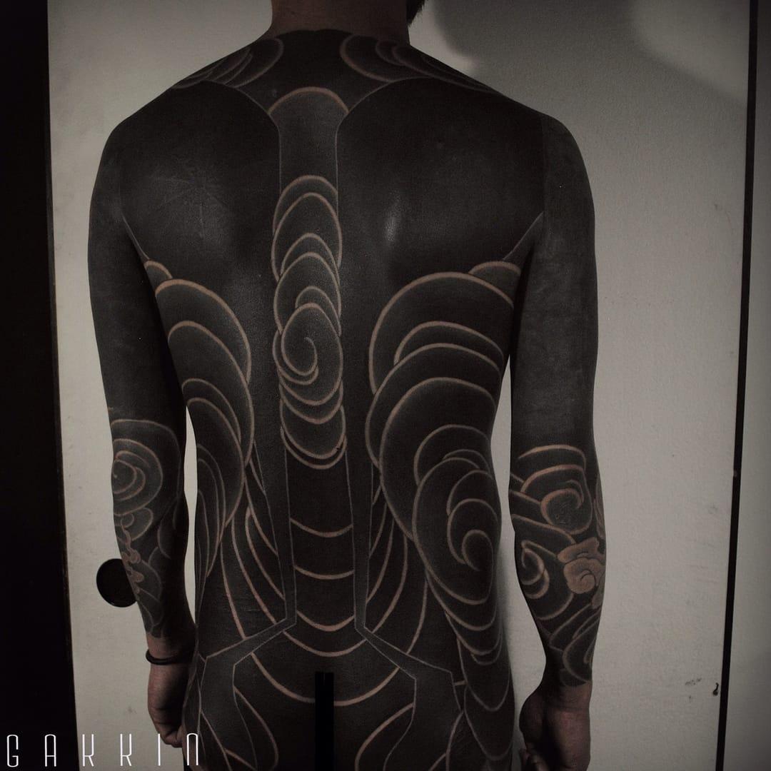 8 Beautiful Brutal Black Tattoos by Gakkin