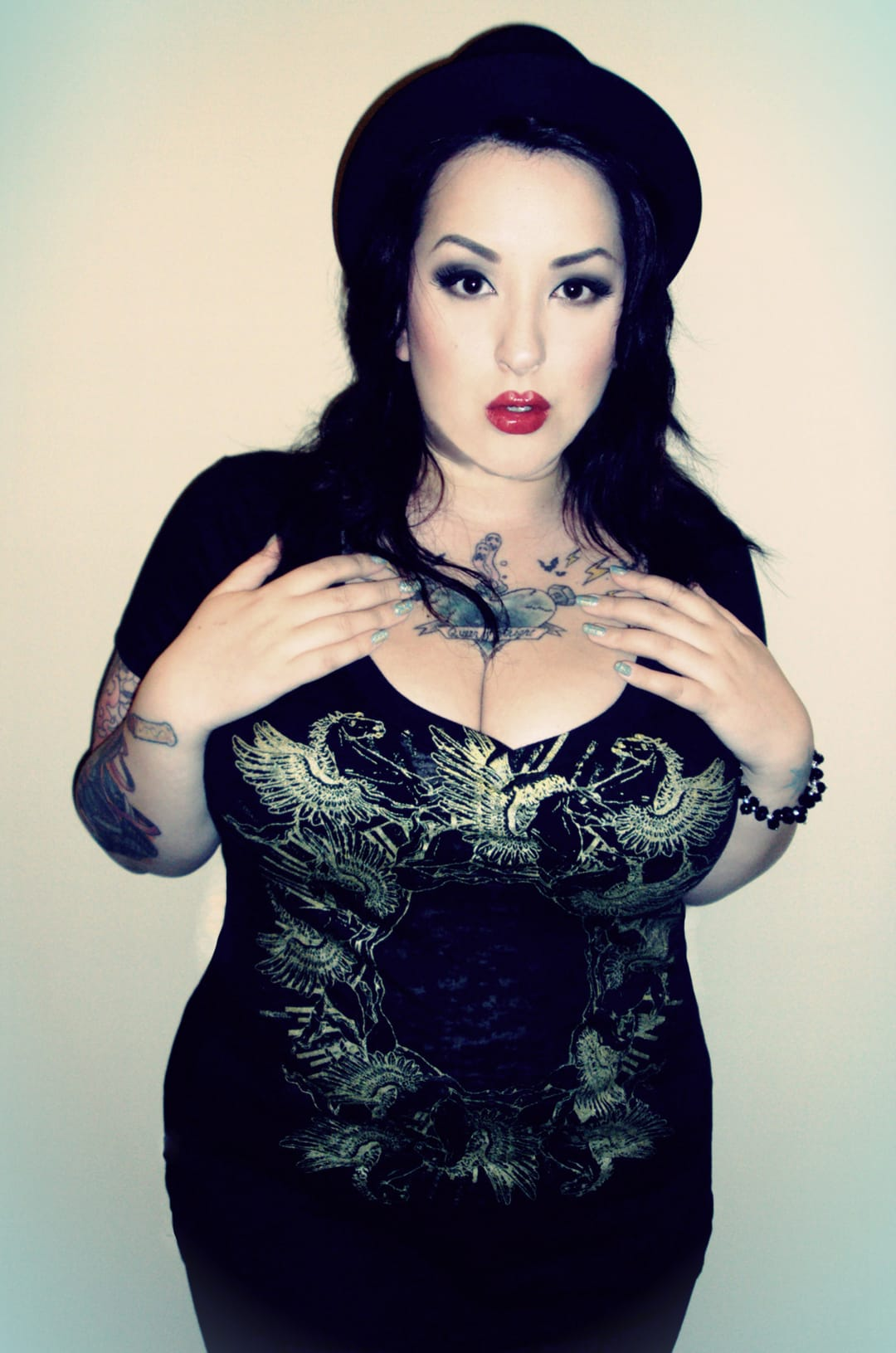 Dangerous Curves Ahead! 12 Gorgeous Curvy Tattooed Babes